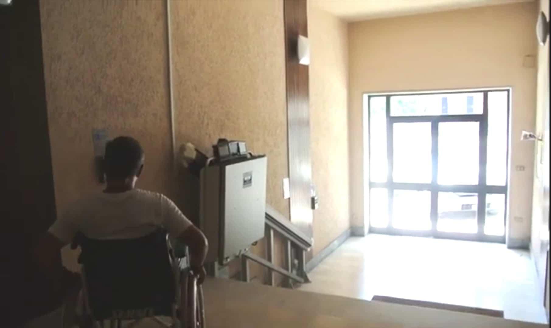 Installazione servoscala a piattaforma Condominio Caserta