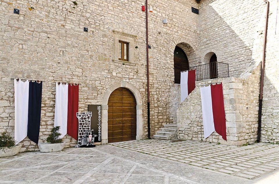 Installazione servoscala a piattaforma Museo dei Castelli Casalbore (AV)